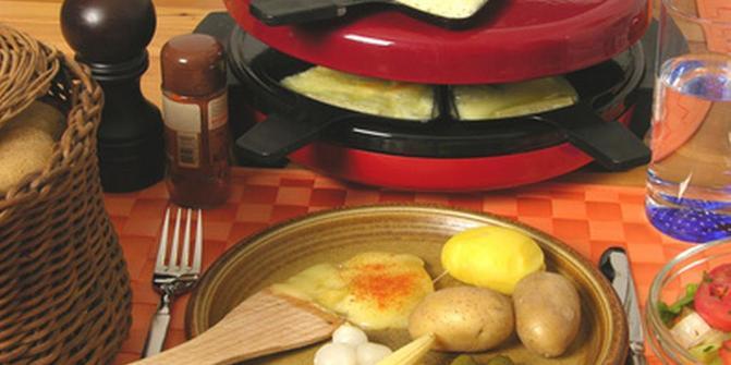 abendwanderung mit raclette essen wanderung. Black Bedroom Furniture Sets. Home Design Ideas