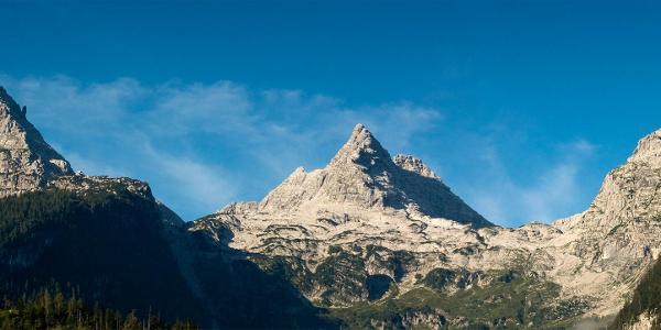 In Bildmitte der Nordostgrat zum Reifhorn - links Ochsenhorn, rechts Breithorn