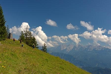 Wandern im Brünnsteingebiet mit Aussicht aufs Kaisergebirge