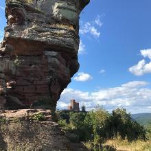 Blick von Anebos zum Trifels