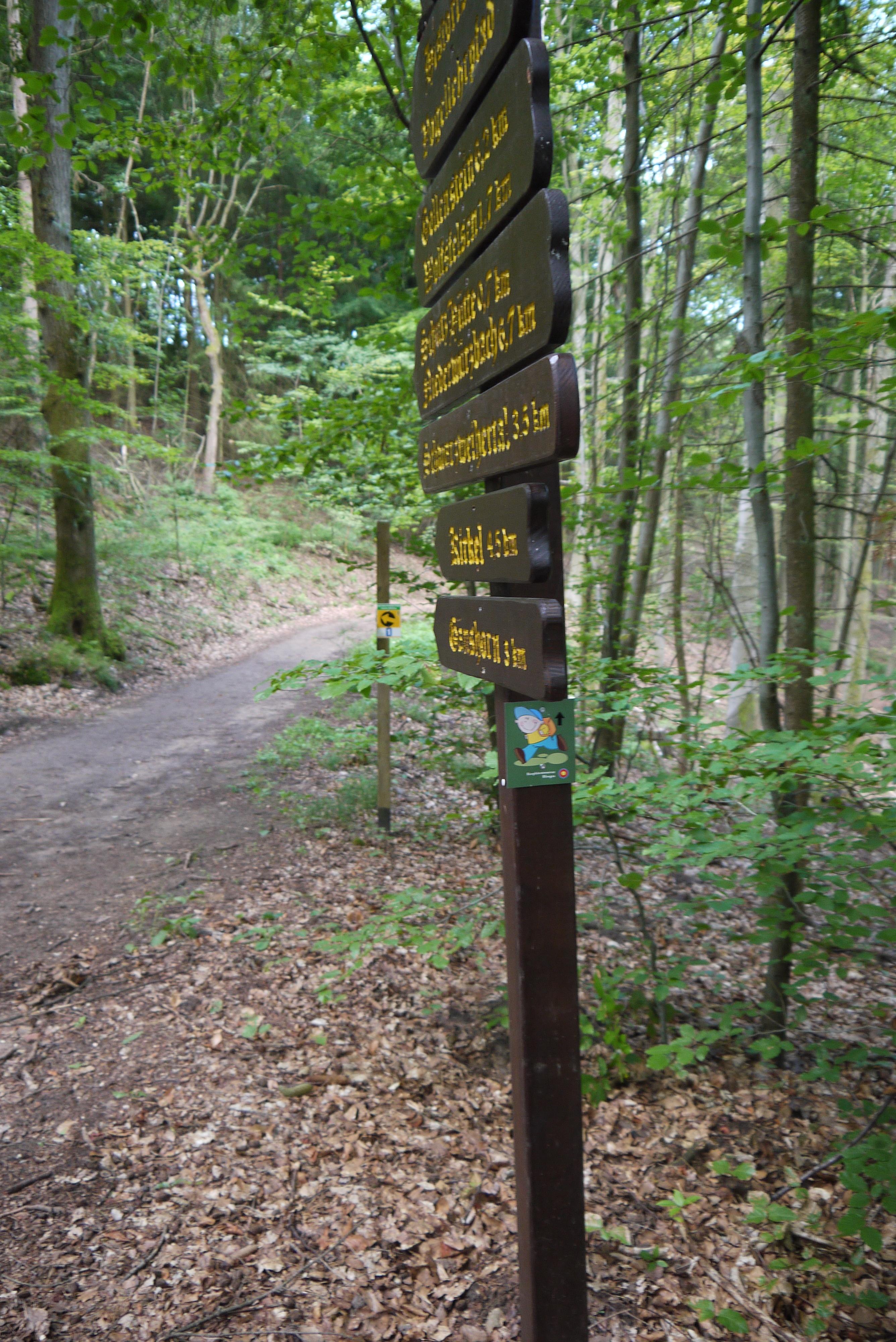 Schilder im Kurwald
