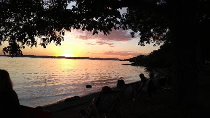 Sonnenuntergang auf der Haltnau genießen bei einer köstlichen Dinnete und einem kühlen Getränk - ein super Abschluss!