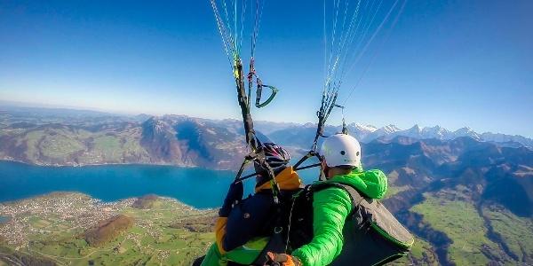 Paragliding Kandertal