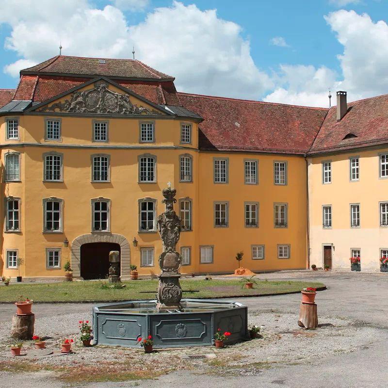 Schloss Bartenstein - Außenansicht   - © Quelle: Schloss Bartenstein