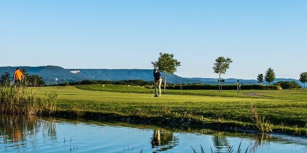 Der Golfplatz des GC Kressbach bietet fantastische Aussichten.