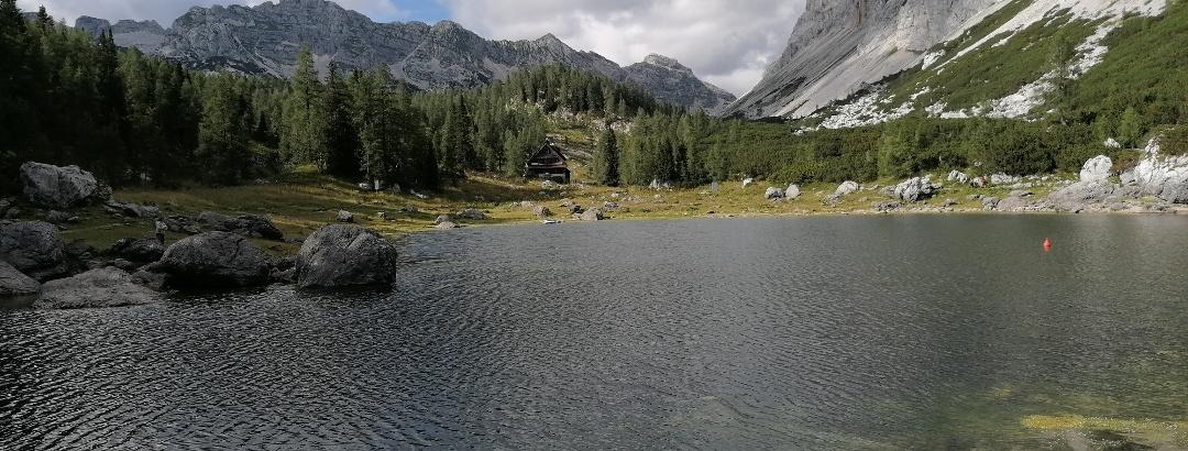 6. und 7. See/Teich, südlich der Koča pri Triglavskih jezerih - li. dahinter die Berge Gladki und Debeli, re. Tičarica und Kopica – Impressionen - 4