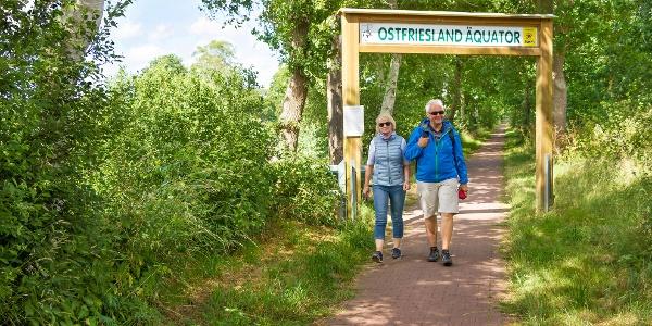 Ostfriesland Wanderweg / Äquator Foto: Von der See