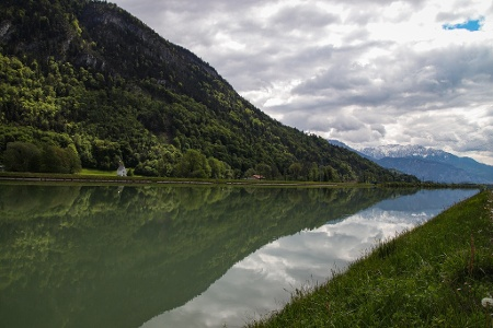 Inndamm, Blick Kranzhorn und Kaisergebirge