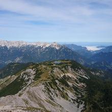 Blick Richtung Alpenvorland mit Hutterer Höss in der Bildmitte