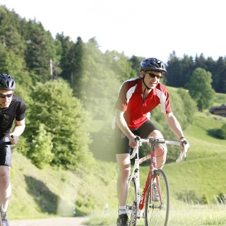 Rennradler im Münstertal