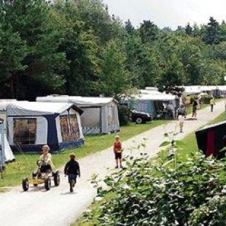 Camping- und Wohnmobilstellplatz