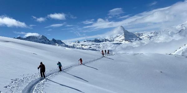 Sur les hauteurs de Zermatt et la mer de nuages