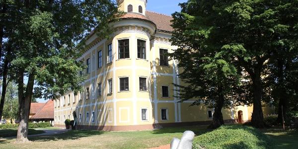 LandArt und Schloss Gleinstätten