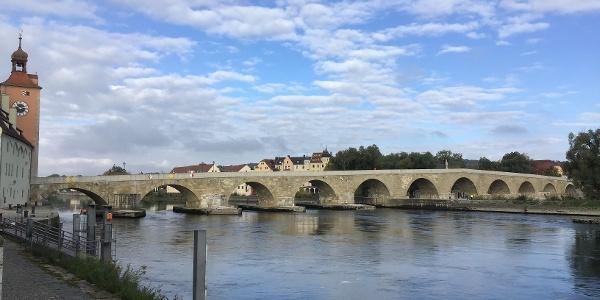 Schleifenroute - Regensburg Steinerne Brücke