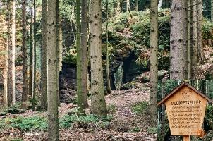 Foto Die Wildbret-Höhle zwischen Kleinen und Großen Zschirnstein