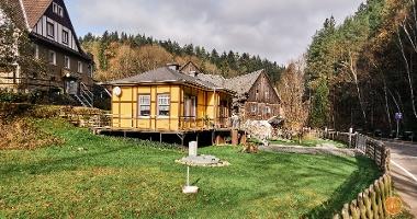Foto Kleingießhübel - Alt und neu an der Rölligmühle im Krippengrund