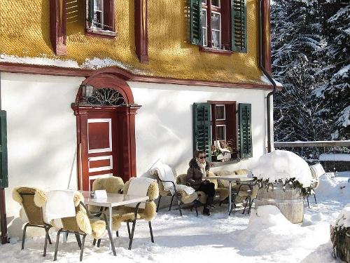 Das Gasthaus Fadära: pure Winter-Romantik.