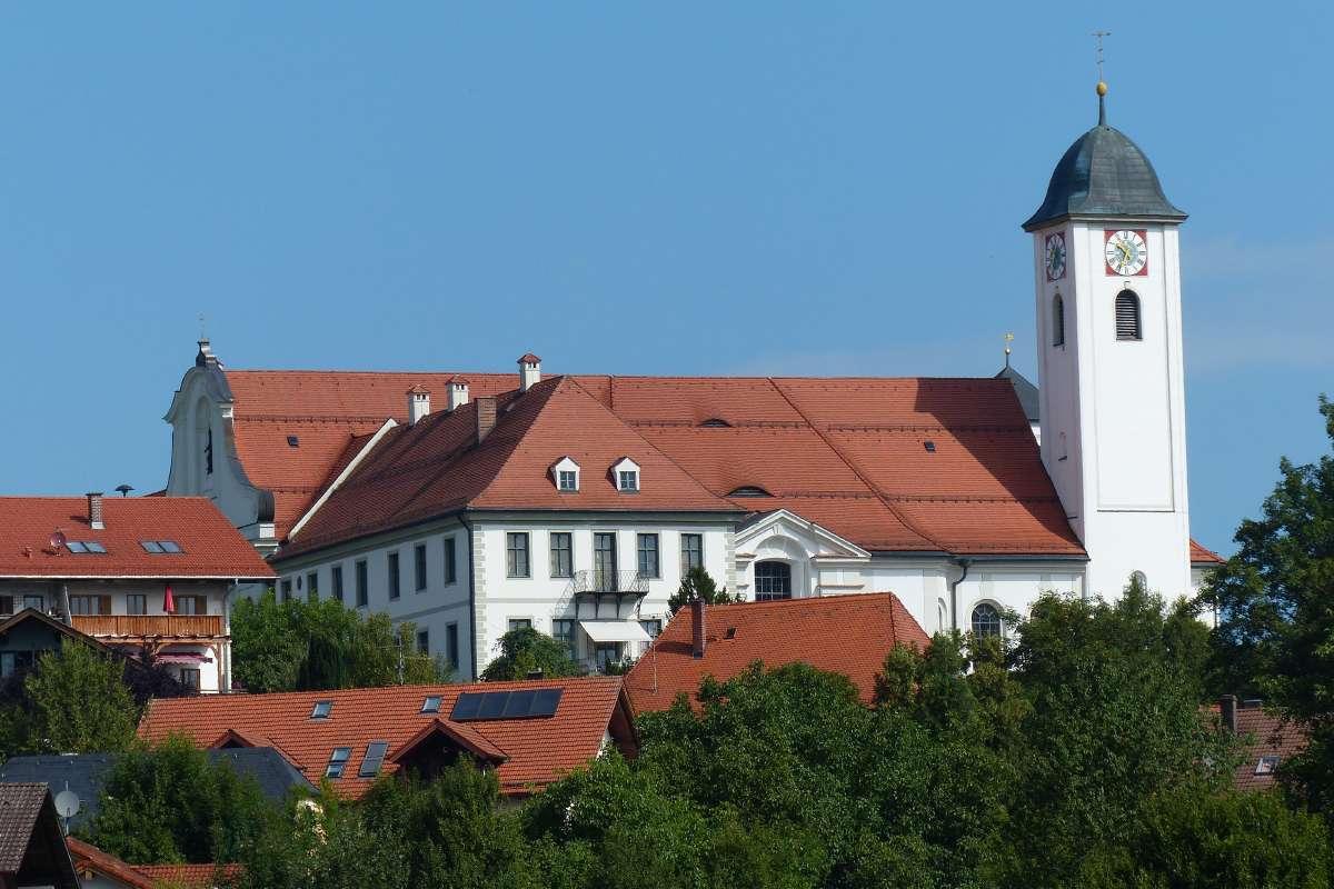 Ehemaliges Kloster Rott am Inn und Kirche St. Marinus und Anianus