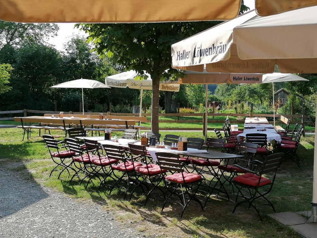 Der Rote Ochsen Wackershofen Biergarten   - © Quelle: Der Rote Ochsen
