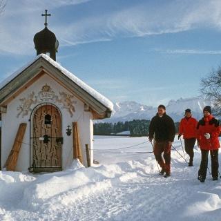 Winterwandern mit Kapelle