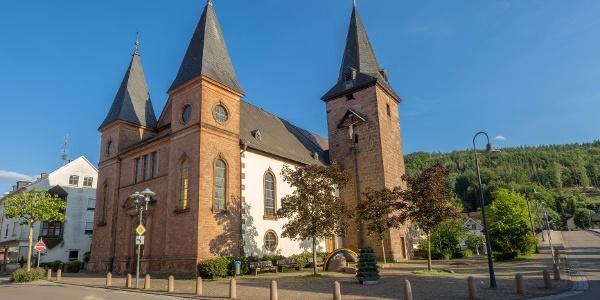 Marienkirche Rodalben mit Marienplatz