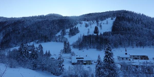 Die Wiesen unten am Silberberg - hier wird in ein paar Stunden unsere Tour enden.