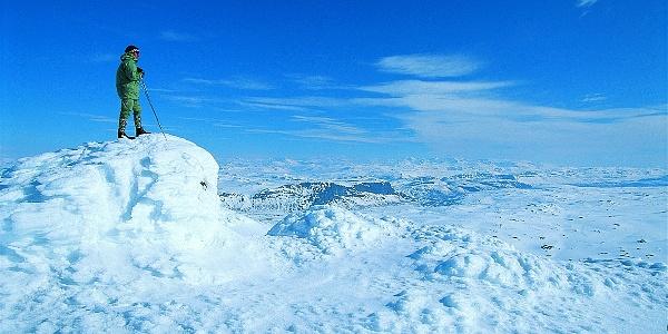 Skal du på Suletinden pa vinteren? Gå opp på søraustsida og att skia før det brattaste partiet.