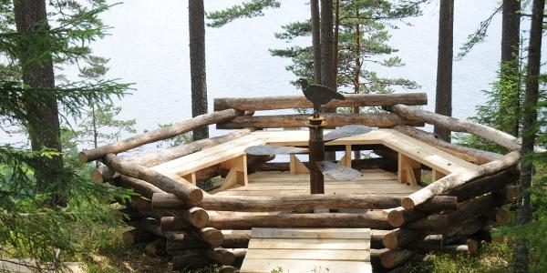 Utkikkspunktet «Ørnereiret» i Odnesberget The Eyrie viewpoint in Odnesberget