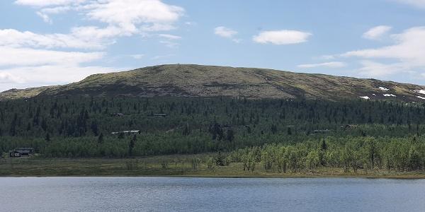 Mot Trabelifjellet, fra Nedre Lundtjønn
