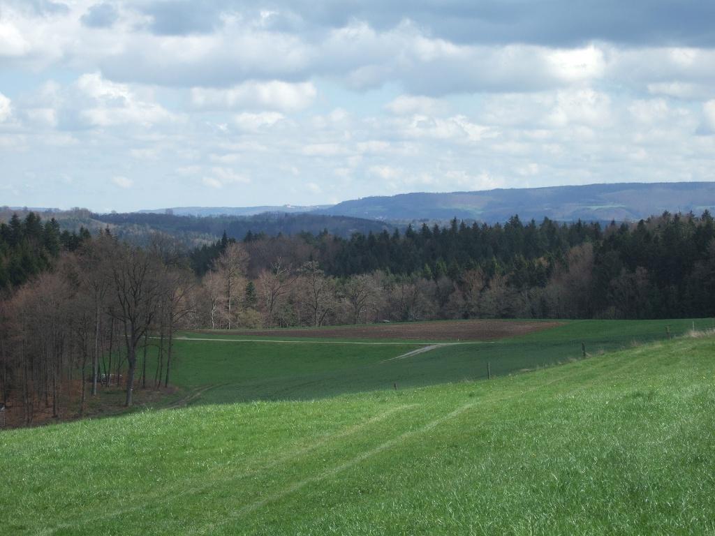 Landschaft bei Abtsgmünd   - © Quelle: Hohenlohe + Schwäbisch Hall Tourismus e.V.