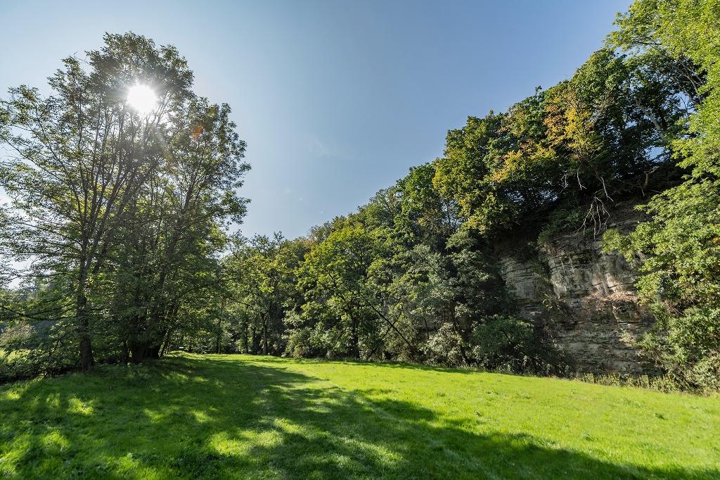 Felswände bei Eschenau   - © Quelle: Hohenlohe + Schwäbisch Hall Tourismus e.V.