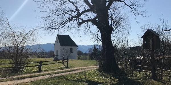 Am Weiler Prösteln gibt es eine schöne kleine Kapelle.