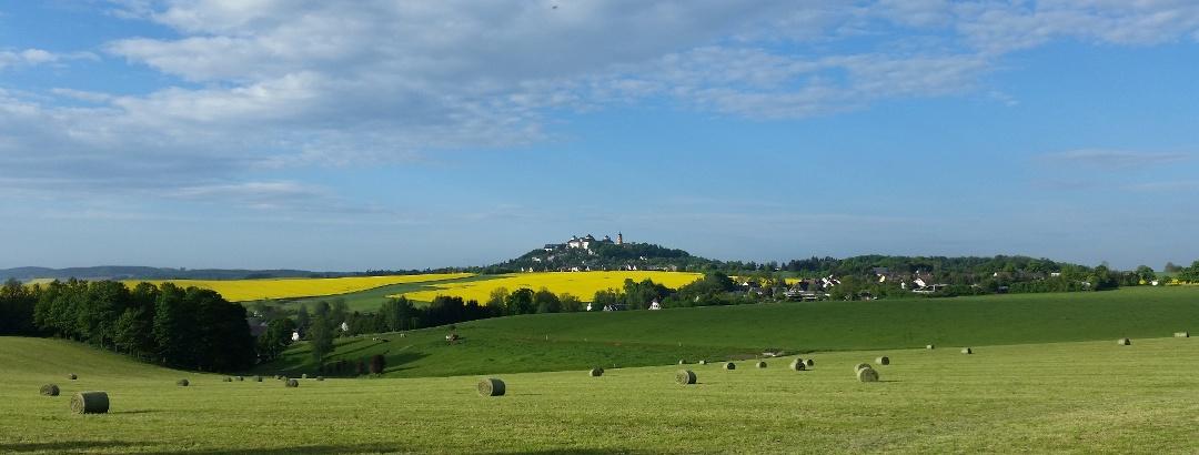 Grünberger Rundweg - Blick zu Schloss Augustusburg