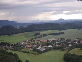 Foto Aussicht in Richtung Paptsdorf, Zirkelstein und Rosenberg