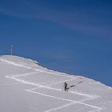 Gipfelanstieg zum Schönweidkogel abfahrt auf der anderen Seite