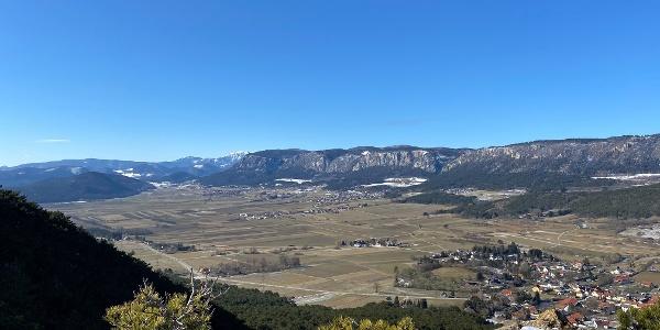 Aussicht vom Größenberg Richtung Schneeberg, Hohe Wand und über die Neue Welt