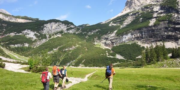 """Am sogenannten """"Oberanger"""" - rd. 300 m oberhalb der Reintalangerhütte"""