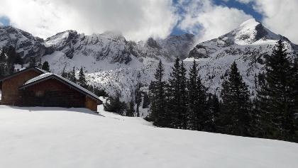 Stuibenhütte mit Alpspitze