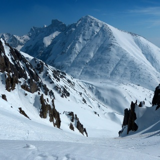 Blick auf die gesamte Westflanke des Großen Solstein.