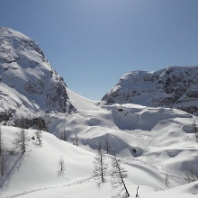 Blick vom Fagsteinfuß zur Bergwachthütte und Kahlersberg