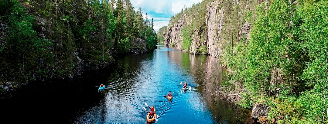 Stunning scenery while kayaking in Hossa National Park