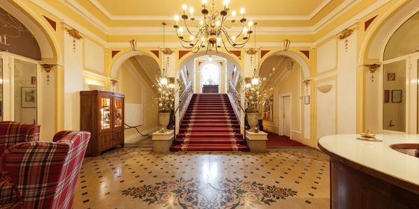Marienhof Lobby