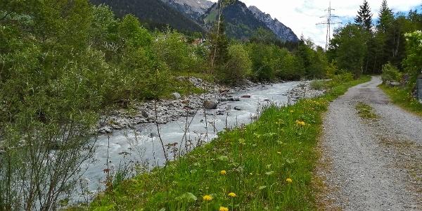 Klostertal Radweg entlang der Alfenz