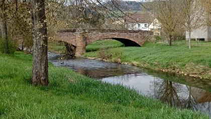 alte Steinbrücke über den Glan
