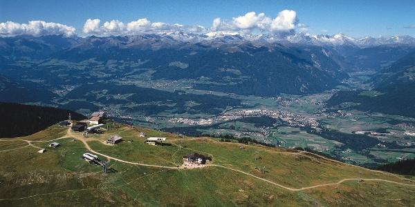 Am Gipfel des Kronplatz, Ziel der Mountainbiketour