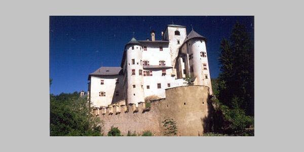 Geschichtlich-kulturelle Wanderung zum Castel Bragher für Familien