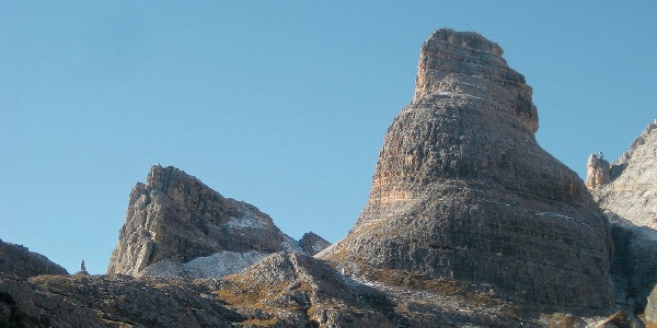 Links Corno d'Angolo, rechts Torre di Popena