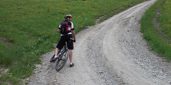 Auch steilere Streckenabschnitte warten auf den Mountainbiker.