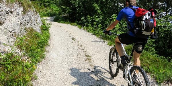 Die einfache Mountainbiketour führt auf Schotter im Nationalpark Stilfserjoch.