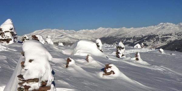 Von der Skihütte in etwa 1 Stunde zu den Stoanernen Mandln.